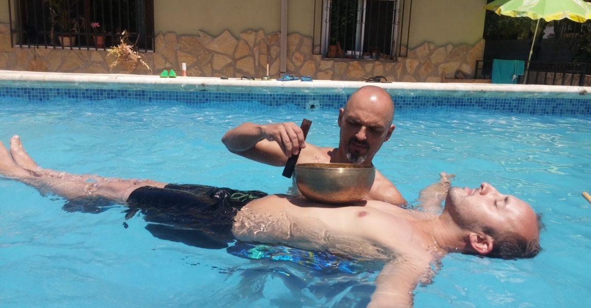 masaje sonoro en agua