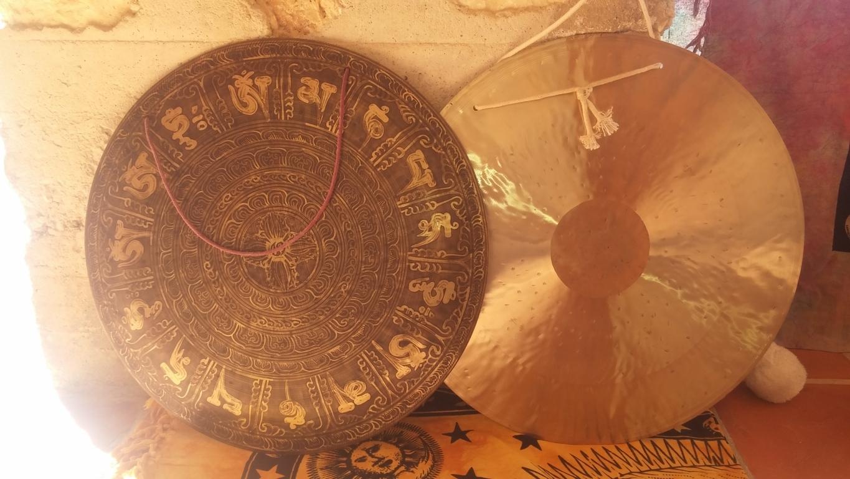 Taller cuencos tibetanos y gongs